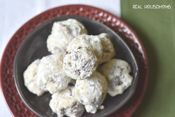 Chocolate-Snowballs are a Christmas cookie everyone LOVES!
