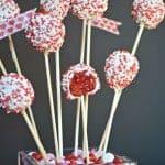 Skinny Red Velvet Cake Pops | Real Housemoms #100calories