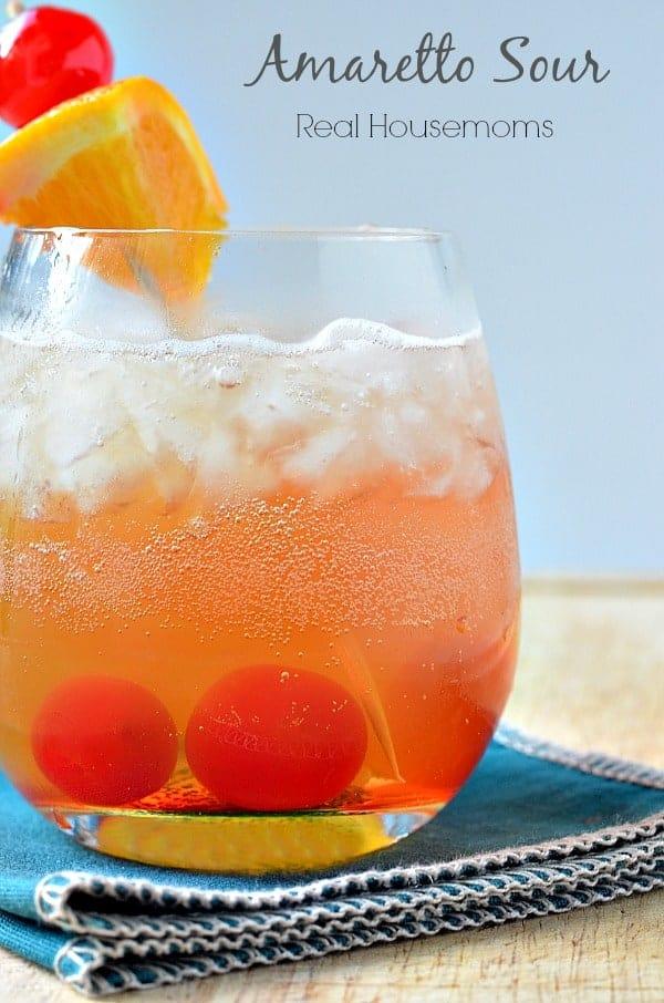 Amaretto Sour - Easy Cocktail Recipe