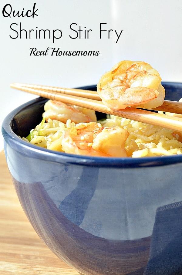 Quick Shrimp Stir Fry | Real Housemoms | #stirfry #shrimp