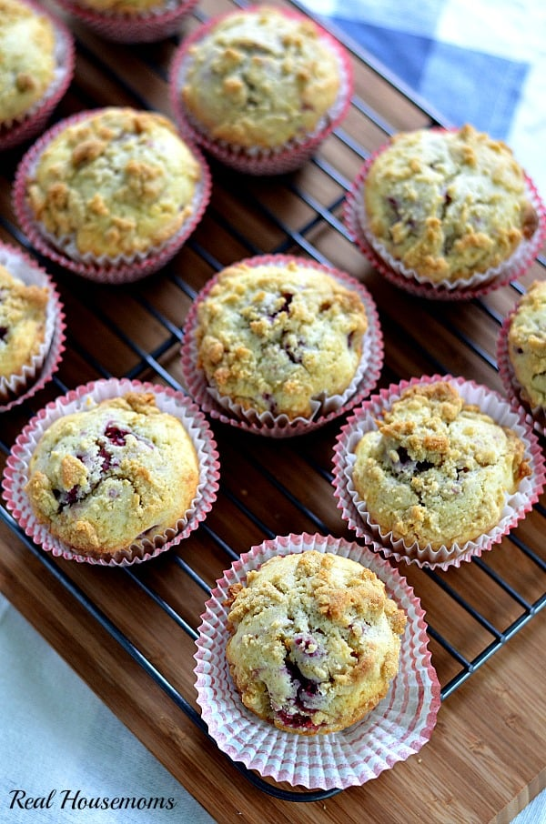 Raspberry Muffins with Streusel Topping_post