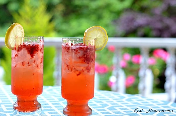 Strawberry Gin Fizz | Real Housemoms