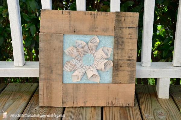 DIY Pallet & Book Page Art  |  Real Housemoms