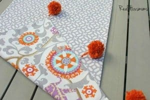 reversible-table-runner-600x400-FEAT