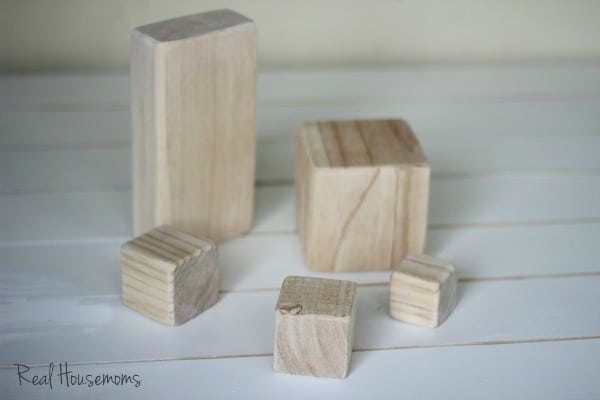 Wood Block Rustic Pumpkins  |  View From The Fridge for Real Housemoms