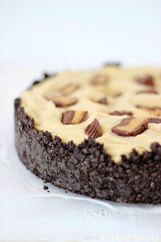 Peanut-Butter-Frozen-Custard-Pie-with-Oreo-Crust-by-SimplyGloria.com-oreos