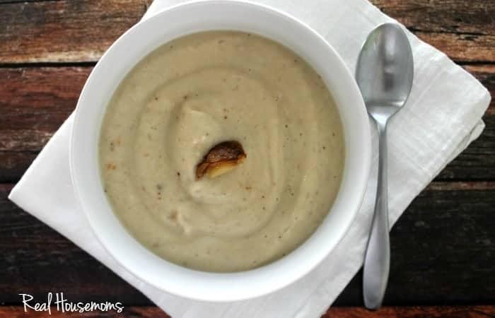 Roasted Garlic & Cauliflower Soup