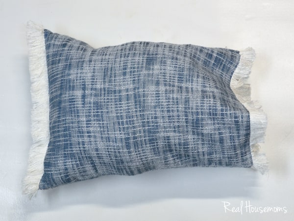 Cheap & Easy Fringe Pillow | Real Housemoms