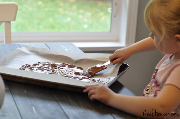 Easy Chocolate Bark Recipe | Real Housemoms