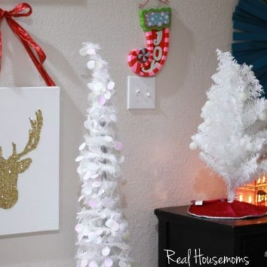 DIY Glitter Reindeer Canvas