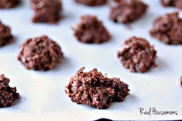 No Bake Santa Cookies | Real Housemoms