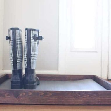 DIY Wooden Boot Tray & Shoe Organizer. Rainboots in organizer