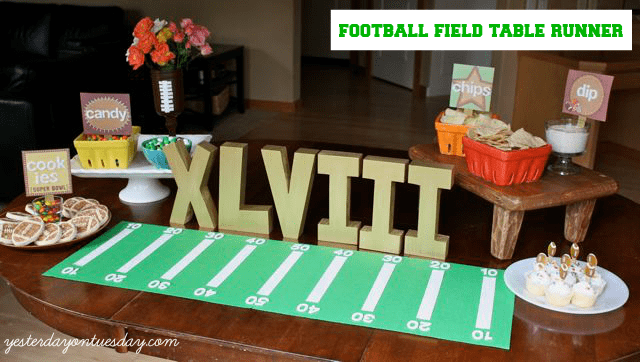 Football-Field-Table-Runner-Tablescape
