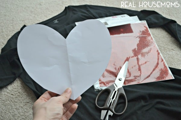 Super Simple Valentines Day Shirt | Real Housemoms