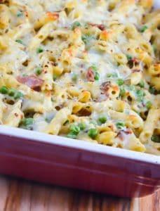 Cheesy-Bacon-Ranch-Pasta-Bake-4-350x461
