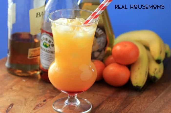 Tropical Breeze Cocktail | Real Housemoms