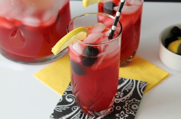Blackberry Lemonade | Real Housemoms