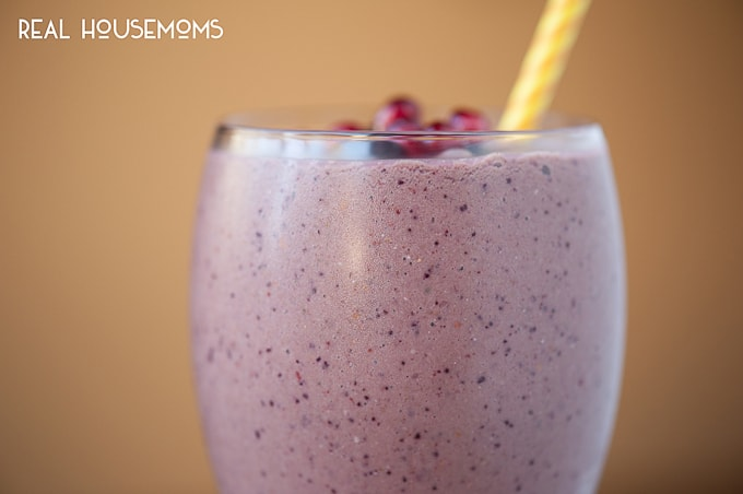 This Super Food Smoothie is not only packed full of vitamin & energy rich super foods, but it is tastes really good & provides a healthy start to your day.