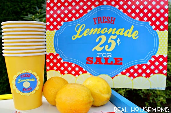 Free Lemonade Stand Prints | Real Housemoms  #freeprintable