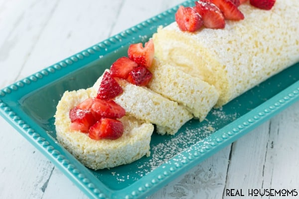 Vanilla Cake Roll with Strawberries | Real Housemoms