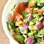 Chunky Guacamole Salad is the best think to happen to my summer menu!