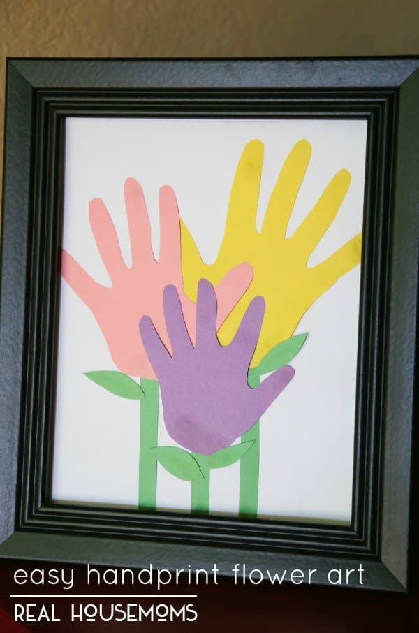 Easy Handprint Flower Art | Real Housemoms