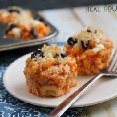 Greek Chicken Mac 'n Cheese Muffins | Real Housemoms