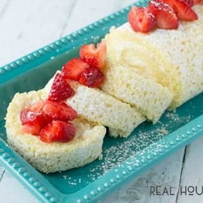 Vanilla Cake Roll with Strawberries