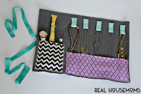 DIY Travel Jewelry Oraganizer Real Housemoms