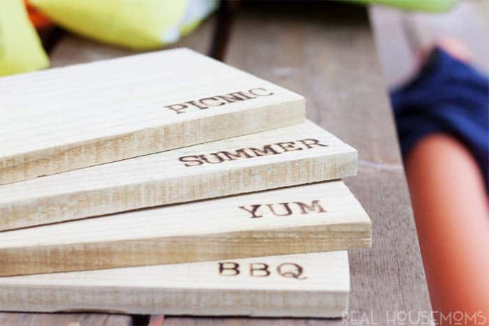 These easy DIY Wooden Picnic Chargers are perfect for any table, any event and any budget. And you can make them for around .50 cent each. Here's how!