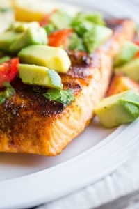 Chilli-Rubbed Salmon with Avocado Salsa| sweetpeasandsaffron.com