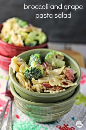 Broccoli, Grape and Bacon Pasta Salad pin w text
