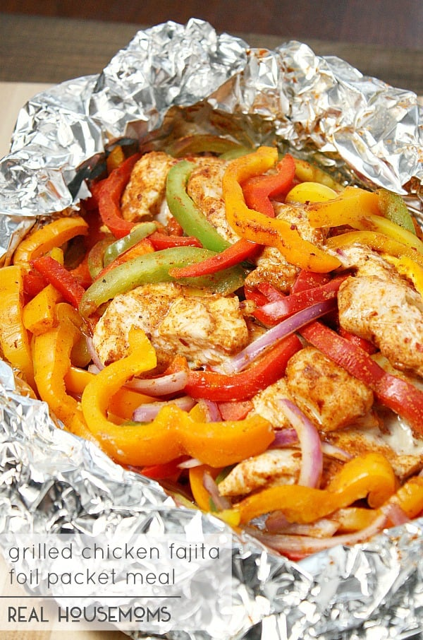 Grilled Chicken Fajita Foil Packet Meal | Quick And Easy Foil Packet Recipes For Tasty Instant Meals | chicken and potato foil packet recipes oven