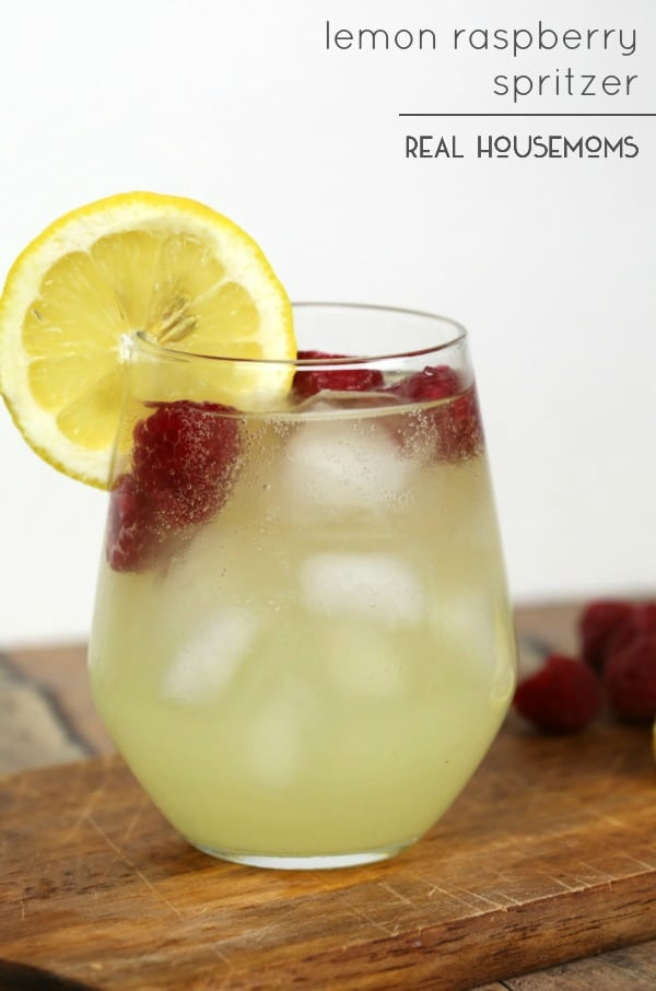 Cool off with a light and refreshing Lemon Raspberry Spritzer cocktail!