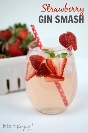 Simple-Cocktail-Recipes-Strawberry-Gin-Smash-It-Is-a-Keeper-H