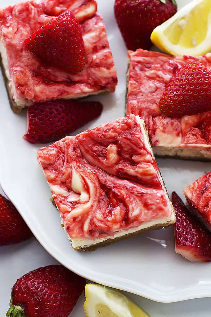 Strawberry Lemon Cheesecake Bars - Le Creme de la Crumb