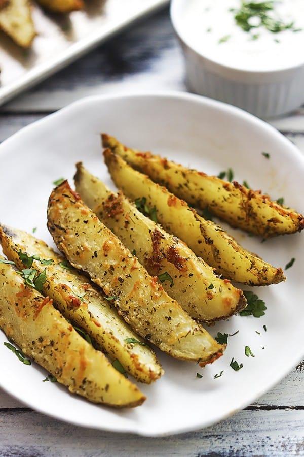 Baked Parmesan Potato Wedges | Le Creme del la Crumb
