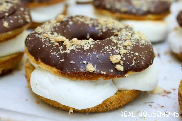 Baked S'mores Donuts are a collision of two of my favorite summer favorite must haves!