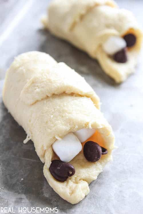 S'mores Crescent Rolls are flaky, delicious, and have all the taste of a s'mores for breakfast (or dessert)!