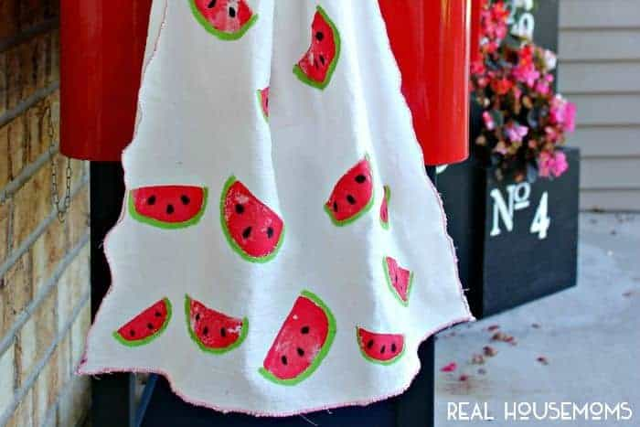 These Potato Stamped Watermelon Towels are a great activity for kids ... especially if you're looking for something new to do!