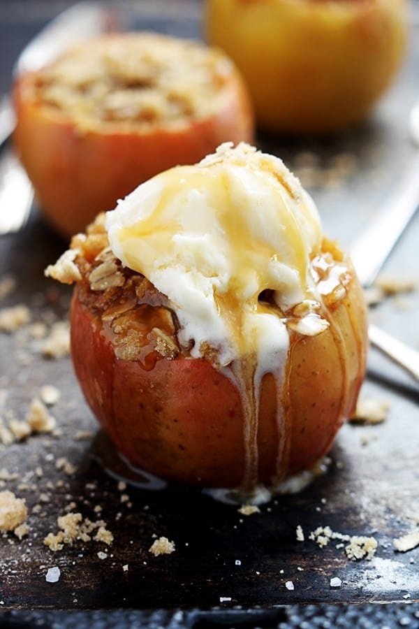 Apple Crisp Stuffed Baked Apple - Creme de la Crumb