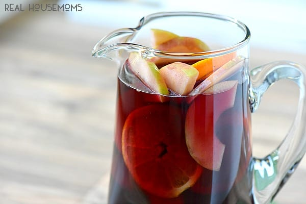 Pear Pomegranate Sangria is going to be my go to drink during the holidays!