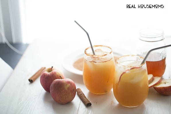 These APPLE GINGER MARGARITAS are a perfect way to celebrate the holidays!