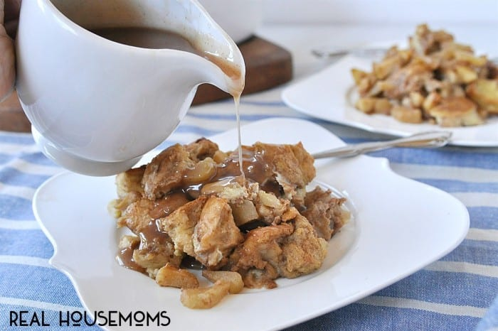 The entire family will love gathering around the table for this comforting Apple Cinnamon Baked French Toast breakfast!
