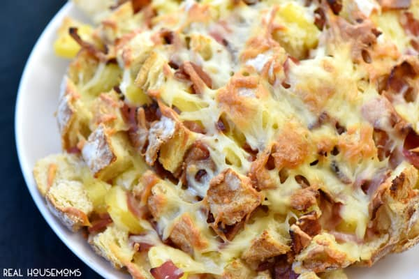 Pineapple and Ham Cheesy Pull Apart Bread-Great appetizer for game day!