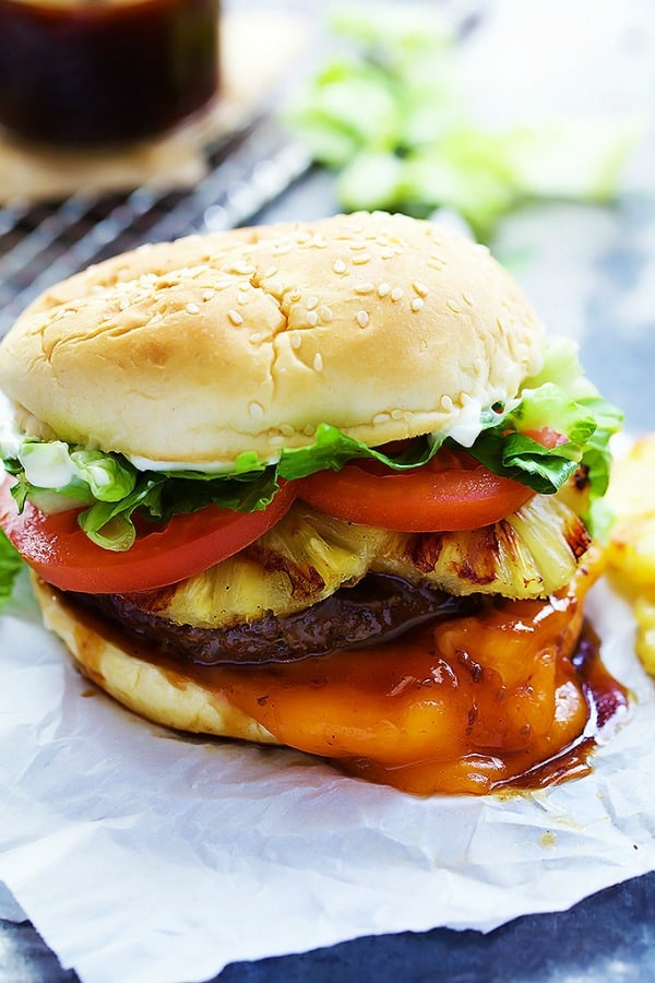 Red Robin Bonzai Burger - La Creme de la Crumb