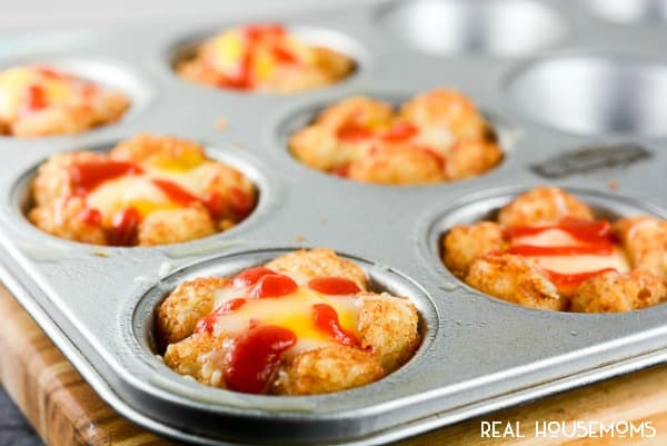 These Sriracha Egg Tater Tot Cups are simple yummy breakfasts that you can eat on the go!