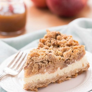 We all know an apple a day keeps the doctor away but what does more than one bring? This delicious APPLE CRISP CHEESECAKE!