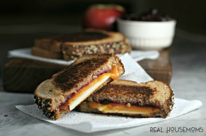 Need an idea on how to use up that cranberry sauce from Thanksgiving? Try out this CRAN-APPLE CHEDDAR MELT!