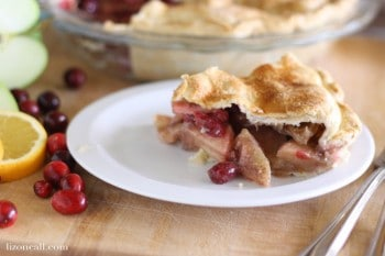 cranberry apple pie @ lizoncall.com